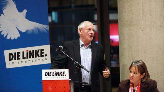 Oskar Lafontaine und Heike Hänsel, Stellvertretende Vorsitzende der Fraktion DIE LINKE